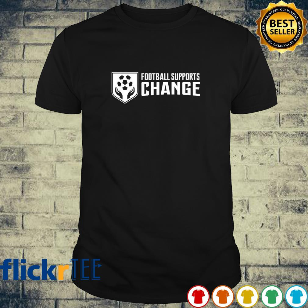 Football supports change shirt
